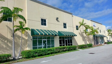 For Lease Office/Warehouse 3,296 SF